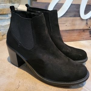 Natural Reflection Black Suede Heeled Ankle Boots